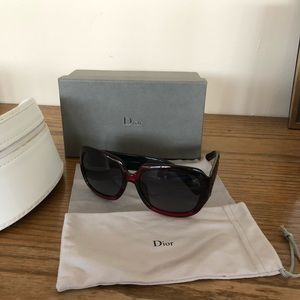 Dior red sunglasses w/box and case